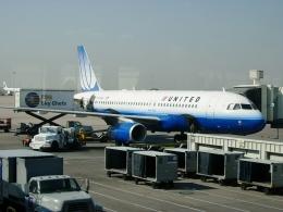 TA27さんが、デンバー国際空港で撮影したユナイテッド航空 A320-232の航空フォト(飛行機 写真・画像)