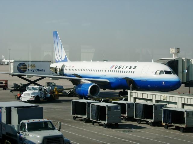 デンバー国際空港 - Denver International Airport [DEN/KDEN]で撮影されたデンバー国際空港 - Denver International Airport [DEN/KDEN]の航空機写真(フォト・画像)