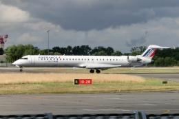TA27さんが、レンヌ・サンジャック空港で撮影したブリテール CL-600-2E25 Regional Jet CRJ-1000の航空フォト(飛行機 写真・画像)