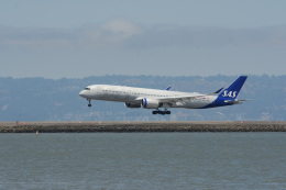 小弦さんが、サンフランシスコ国際空港で撮影したスカンジナビア航空 A350-941の航空フォト(飛行機 写真・画像)