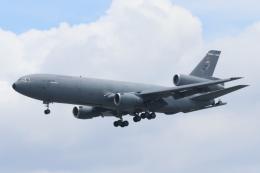 mogusaenさんが、横田基地で撮影したアメリカ空軍 KC-10A Extender (DC-10-30CF)の航空フォト(飛行機 写真・画像)