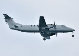 じーく。さんが、嘉手納飛行場で撮影したアメリカ空軍 C-12J (1900C-1)の航空フォト(飛行機 写真・画像)