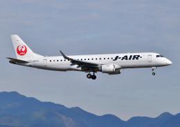 じーく。さんが、福岡空港で撮影したジェイエア ERJ-190-100(ERJ-190STD)の航空フォト(飛行機 写真・画像)