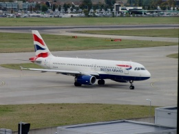 TA27さんが、ロンドン・ヒースロー空港で撮影したブリティッシュ・エアウェイズ A320-232の航空フォト(飛行機 写真・画像)