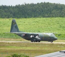 musaeru25cさんが、能登空港で撮影した航空自衛隊 C-130H Herculesの航空フォト(飛行機 写真・画像)