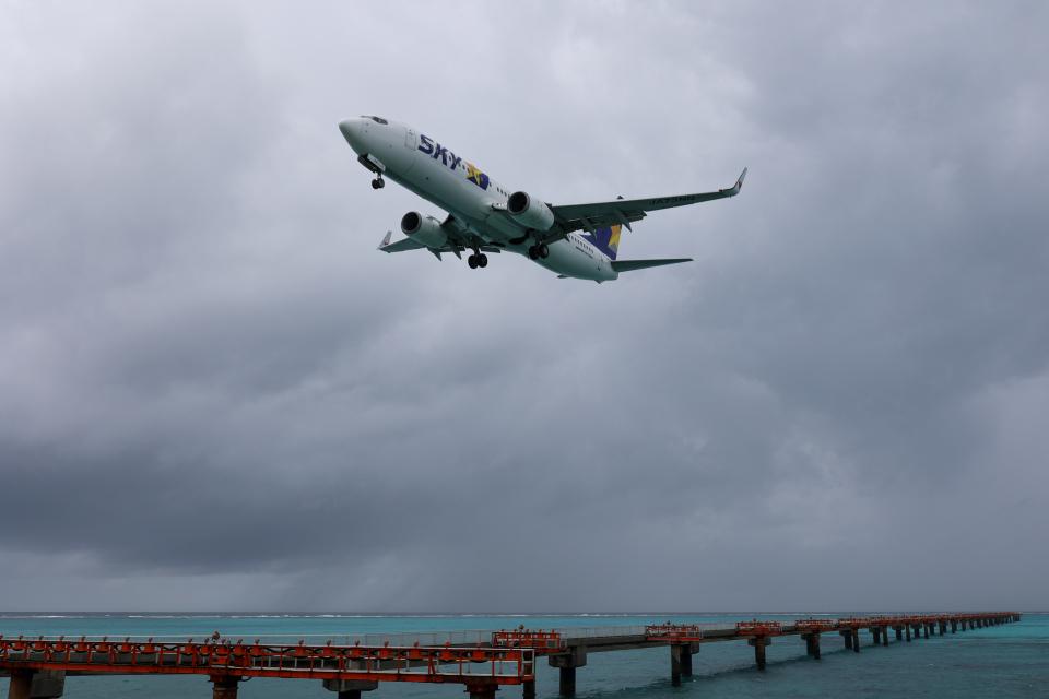 チャッピー・シミズさんのスカイマーク Boeing 737-800 (JA73NN) 航空フォト