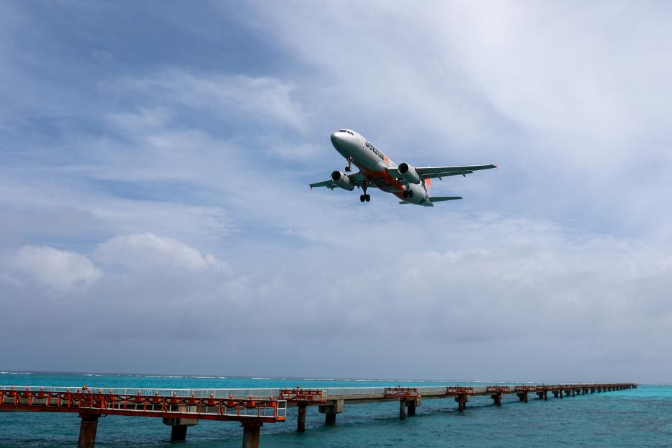 チャッピー・シミズさんのジェットスター・ジャパン Airbus A320 (JA09JJ) 航空フォト