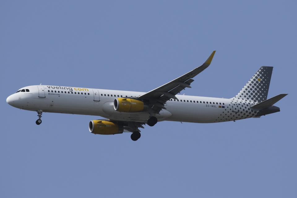 Sharp Fukudaさんのブエリング航空 Airbus A321 (EC-MQL) 航空フォト