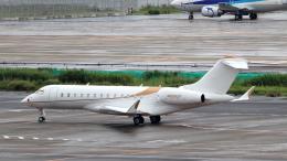 誘喜さんが、羽田空港で撮影したウィルミントン・トラスト・カンパニー BD-700-1A10 Global 6000の航空フォト(飛行機 写真・画像)