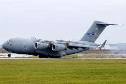 chrisshoさんが、シュトゥットガルト空港で撮影した北大西洋条約機構 C-17A Globemaster IIIの航空フォト(飛行機 写真・画像)