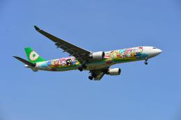 アカゆこさんが、台湾桃園国際空港で撮影したエバー航空 A330-302Xの航空フォト(飛行機 写真・画像)