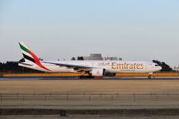 ポン太さんが、成田国際空港で撮影したエミレーツ航空 777-31H/ERの航空フォト(飛行機 写真・画像)