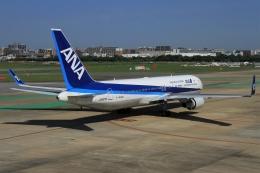 ウッディーさんが、福岡空港で撮影した全日空 767-381/ERの航空フォト(飛行機 写真・画像)