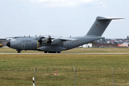 chrisshoさんが、シュトゥットガルト空港で撮影したドイツ空軍 A400Mの航空フォト(飛行機 写真・画像)