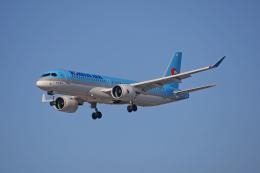 tsubameさんが、福岡空港で撮影した大韓航空 A220-300 (BD-500-1A11)の航空フォト(飛行機 写真・画像)