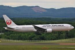 みるぽんたさんが、新千歳空港で撮影した日本航空 767-346/ERの航空フォト(飛行機 写真・画像)