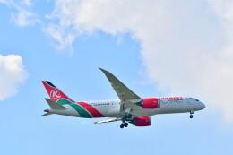 Hiro Satoさんが、スワンナプーム国際空港で撮影したケニア航空 787-8 Dreamlinerの航空フォト(飛行機 写真・画像)