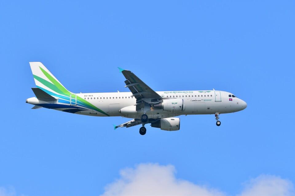 Hiro Satoさんのランメイ・エアラインズ Airbus A320 (XU-903) 航空フォト