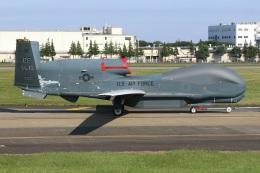 シン・マリオ先輩さんが、横田基地で撮影したアメリカ空軍 RQ-4B-40 Global Hawkの航空フォト(飛行機 写真・画像)