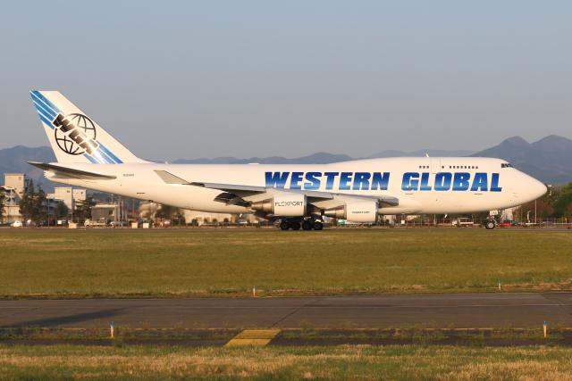 シン・マリオ先輩さんが、横田基地で撮影したウエスタン・グローバル・エアラインズ 747-446(BCF)の航空フォト(飛行機 写真・画像)