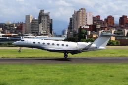 HLeeさんが、台北松山空港で撮影したBank of Utah Trustee G650ER (G-VI)の航空フォト(飛行機 写真・画像)