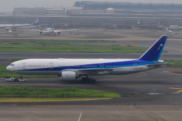 スカイチームKMJももこさんさんが、羽田空港で撮影した全日空 777-281/ERの航空フォト(飛行機 写真・画像)
