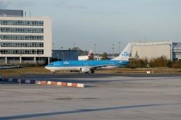 TA27さんが、パリ シャルル・ド・ゴール国際空港で撮影したKLMオランダ航空 737-8K2の航空フォト(飛行機 写真・画像)