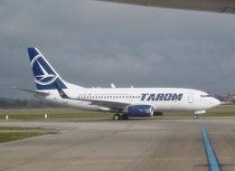 TA27さんが、リヨン・サンテグジュペリ空港で撮影したタロム航空 737-78Jの航空フォト(飛行機 写真・画像)