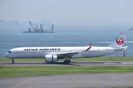 PIRORINGさんが、羽田空港で撮影した日本航空 A350-941の航空フォト(飛行機 写真・画像)