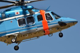 yukimaru-jetさんが、札幌飛行場で撮影した北海道警察 AW139の航空フォト(飛行機 写真・画像)
