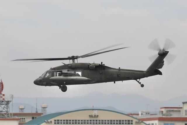 Hii82さんが、明野駐屯地で撮影したアメリカ陸軍 UH-60L Black Hawk (S-70A)の航空フォト(飛行機 写真・画像)