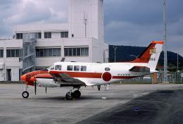 JAパイロットさんが、奄美空港で撮影した航空自衛隊 B65 Queen Airの航空フォト(飛行機 写真・画像)