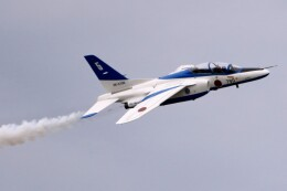 kaeru6006さんが、小松空港で撮影した航空自衛隊 T-4の航空フォト(飛行機 写真・画像)
