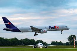 gomaさんが、ミュンヘン・フランツヨーゼフシュトラウス空港で撮影したフェデックス・エクスプレス 757-236(SF)の航空フォト(飛行機 写真・画像)