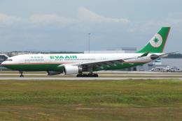 jun☆さんが、クアラルンプール国際空港で撮影したエバー航空 A330-203の航空フォト(飛行機 写真・画像)