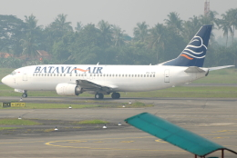 jun☆さんが、スカルノハッタ国際空港で撮影したバタビア航空 737-4H6の航空フォト(飛行機 写真・画像)