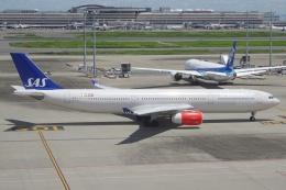 Izumixさんが、羽田空港で撮影したスカンジナビア航空 A330-343Xの航空フォト(飛行機 写真・画像)