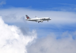 LOTUSさんが、伊丹空港で撮影したジェイエア ERJ-170-100 (ERJ-170STD)の航空フォト(飛行機 写真・画像)