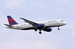 woodpeckerさんが、インディアナポリス国際空港で撮影したノースウエスト航空 A320-211の航空フォト(飛行機 写真・画像)