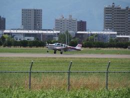 熱血男子さんが、札幌飛行場で撮影したジェイピーエー A36 Bonanza 36の航空フォト(飛行機 写真・画像)