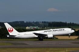 にしやんさんが、女満別空港で撮影した日本航空 767-346/ERの航空フォト(飛行機 写真・画像)