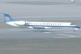 jun☆さんが、香港国際空港で撮影した中国南方航空 ERJ-145LIの航空フォト(飛行機 写真・画像)