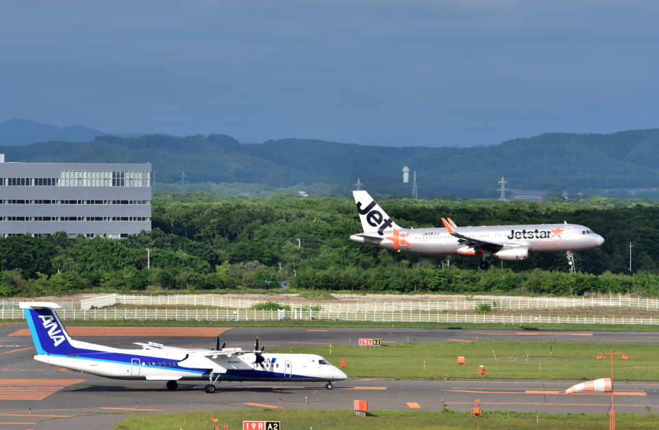Take51さんのジェットスター・ジャパン Airbus A320 (JA08JJ) 航空フォト