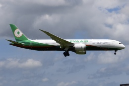 Timothyさんが、成田国際空港で撮影したエバー航空 787-9の航空フォト(飛行機 写真・画像)