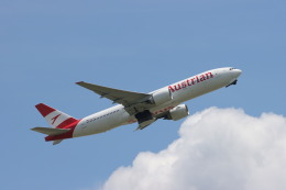 マーサさんが、成田国際空港で撮影したオーストリア航空 777-2Z9/ERの航空フォト(飛行機 写真・画像)