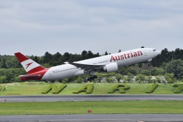kurubouzuさんが、成田国際空港で撮影したオーストリア航空 777-2Z9/ERの航空フォト(飛行機 写真・画像)