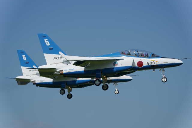 nobu_32さんが、入間飛行場で撮影した航空自衛隊 T-4の航空フォト(飛行機 写真・画像)