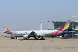 Take51さんが、仁川国際空港で撮影したアシアナ航空 777-28E/ERの航空フォト(飛行機 写真・画像)