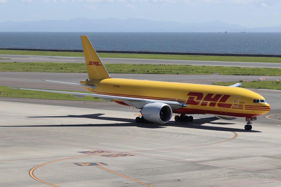 ドガースさんのDHL Boeing 777-200 (N776CK) 航空フォト