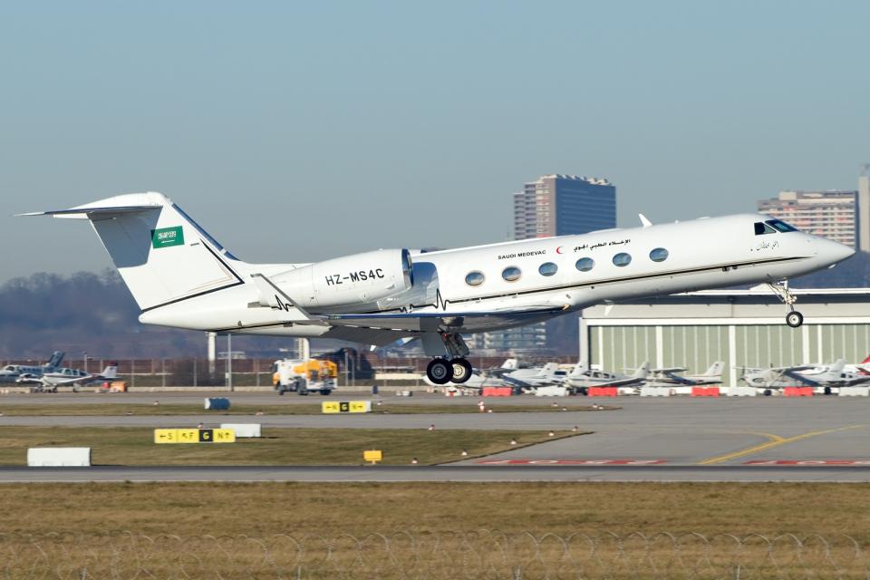 chrisshoさんのSaudi Medevac Gulfstream Aerospace G350/G450 (G-IV) (HZ-MS4C) 航空フォト